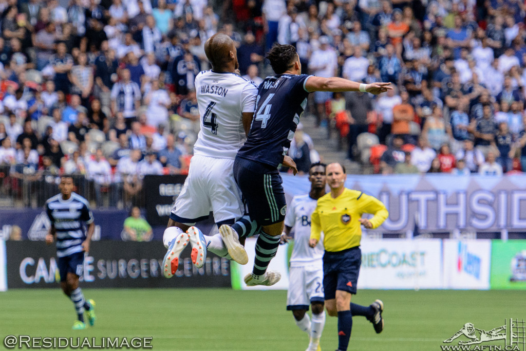 Kendall Waston v Dom Dwyer - The Battle In Pictures (1)