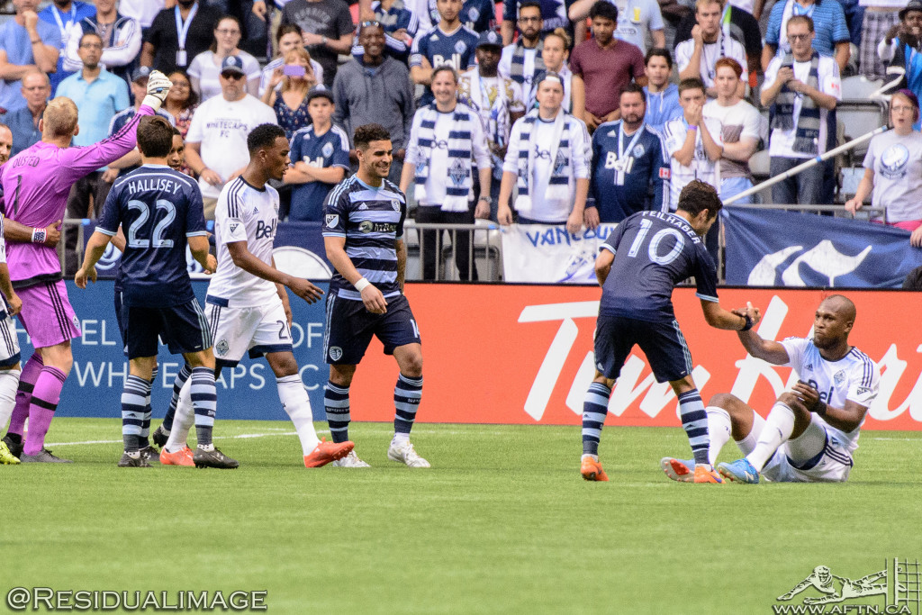 Kendall Waston v Dom Dwyer - The Battle In Pictures (17)