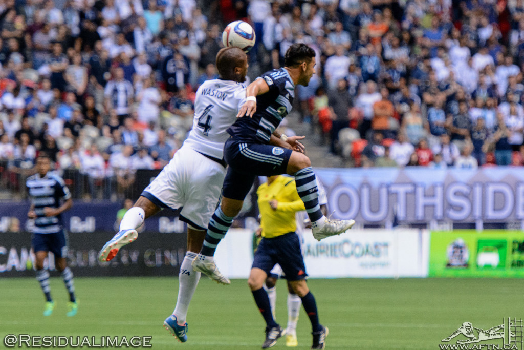 Kendall Waston v Dom Dwyer - The Battle In Pictures (2)