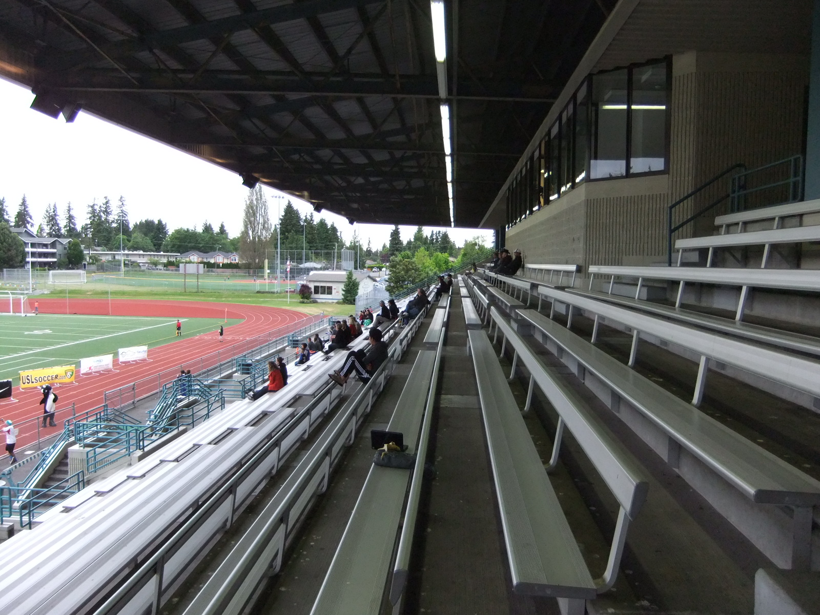 Edmonds Stadium 10