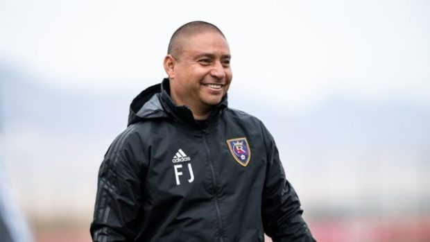"""Best of Frenemies: Juarez and Dos Santos both hoping to use """"home field advantage"""" to get seasons back up and running on Friday"""