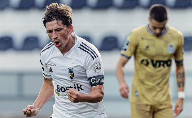 Vancouver leading Gauld rush, but Farense adamant Scot is not a free agent