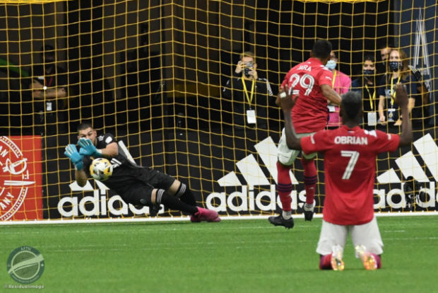Report and Reaction: Late drama to the max as Crepeau's stoppage time penalty save gives Vancouver vital victory over Dallas